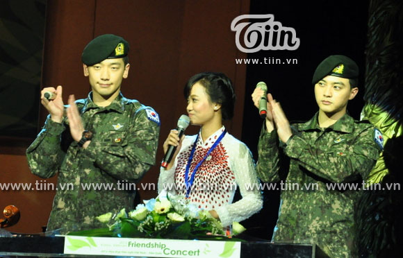 12-03-21 Vietnam concert in Hanoi Opera House-04