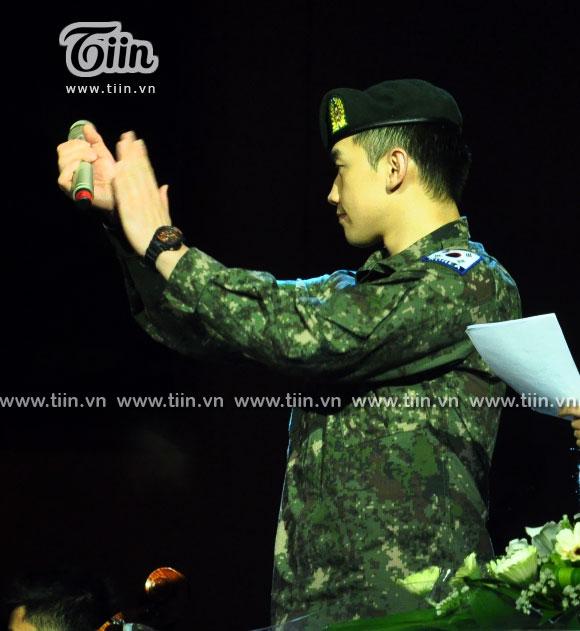 12-03-21 Vietnam concert in Hanoi Opera House-03