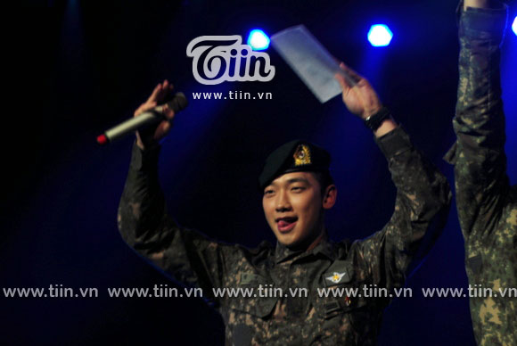 12-03-21 Vietnam concert in Hanoi Opera House-09-0