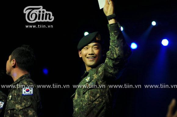 12-03-21 Vietnam concert in Hanoi Opera House-09-2
