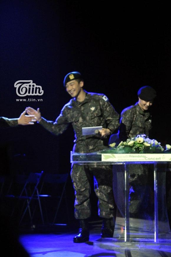 12-03-21 Vietnam concert in Hanoi Opera House-11