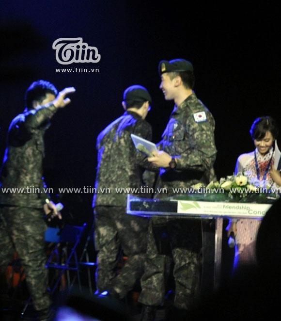 12-03-21 Vietnam concert in Hanoi Opera House-12