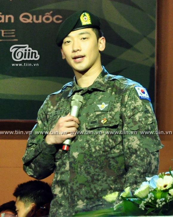 12-03-21 Vietnam concert in Hanoi Opera House-12-0