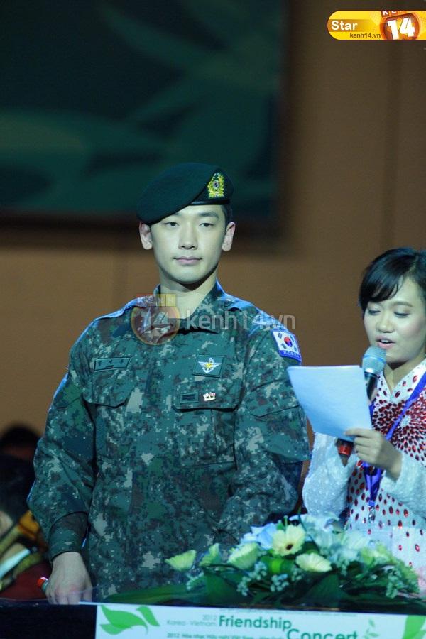12-03-21 Vietnam concert in Hanoi Opera House-19