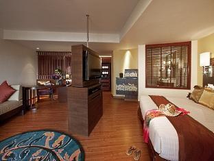 ラディソン ブループラザ プーケットパンワ (Radisson Blu Plaza Resort Phuket Panwa Beach)