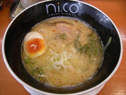 鶏白湯塩(700円)