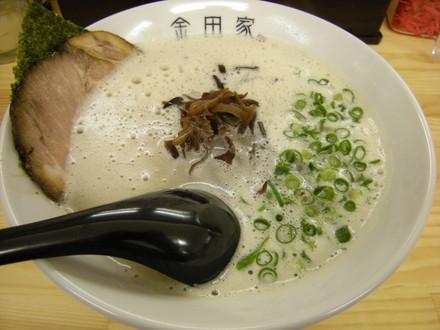 黒豚ラーメン(700円)
