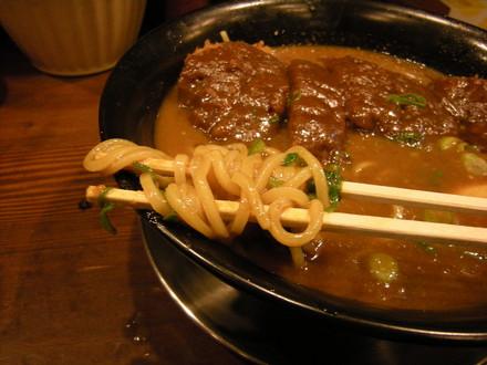 カツカレーラーメンの麺