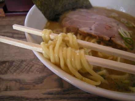 らーめん並盛の麺