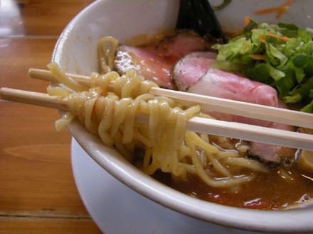 無鉄っぱれラーメンの麺