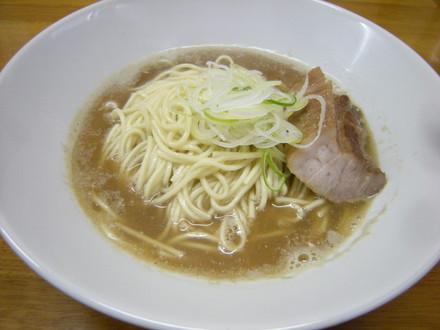 肉そば(700円)