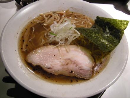 そば(醤油)(750円)