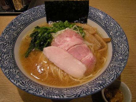 (醤油)芳醇香味そば(750円)