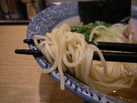 (醤油)芳醇香味そばの麺