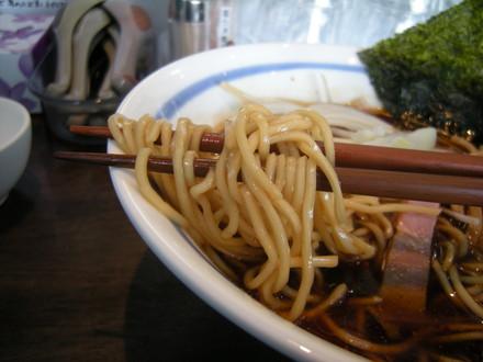 秋刀魚の塩焼正油らぁ麺の麺