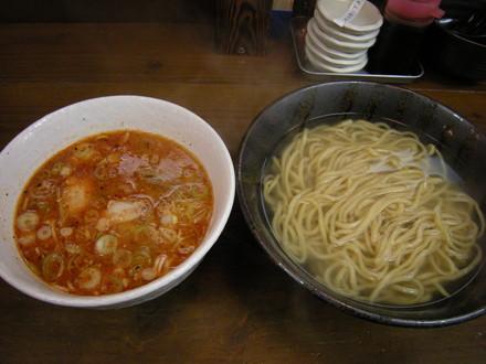 ピリ辛つけ麺(930円)