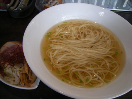 牡蠣塩らぁ麺(780円)