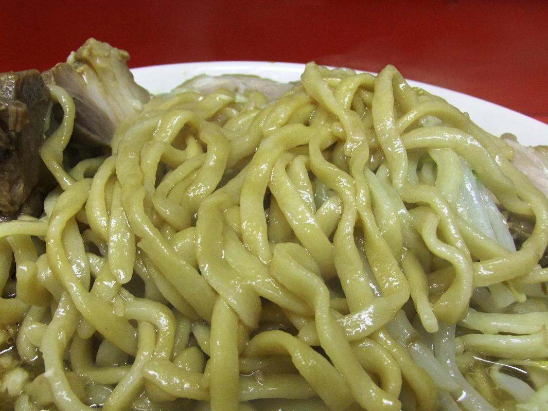 ラーメン二郎 千住大橋駅前店:麺 11.09.24