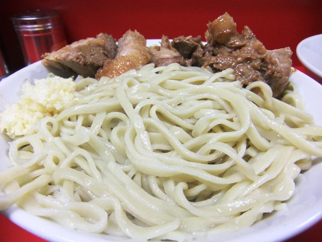 ラーメン二郎 西台駅前店:麺 11.10.08
