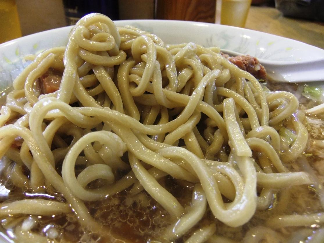 ラーメン二郎 荻窪店:麺 11.10.16