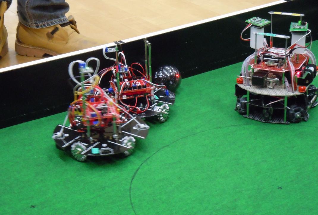 オープン ロボット接戦