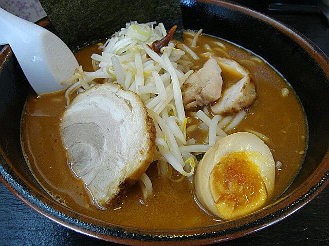 赤味噌ラーメン(ちょい辛)@恵泉