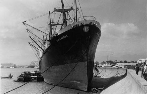 HC15_S50年頃、川越町座礁船-