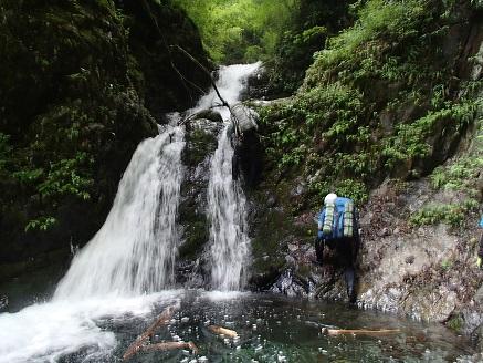 2段8m滝