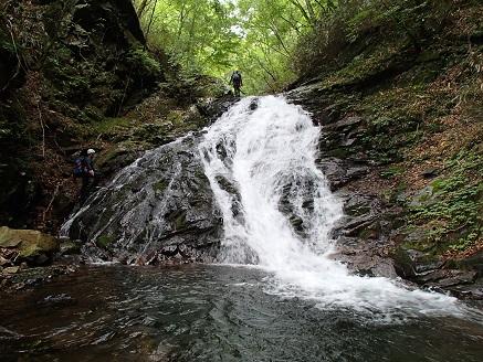末広がりのナメ滝10m