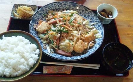 ヤスとカマーの店:豆腐チャンプルー