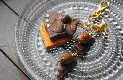 アーモンドチョコとクッキー キーホルダー2