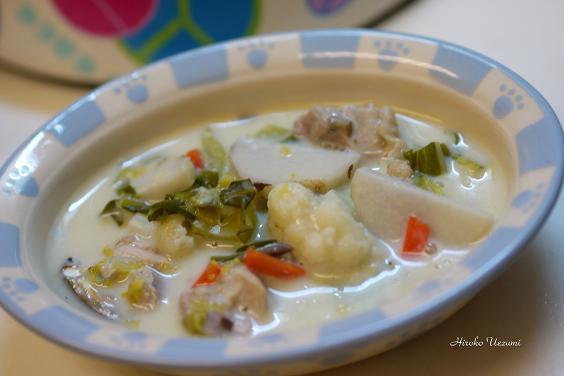 鶏肉とカリフラワーと里芋の豆乳シチュー
