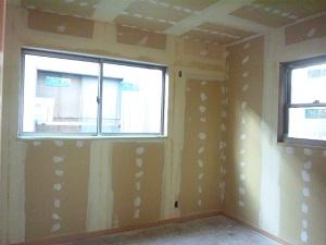 2階パテ塗り