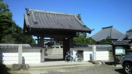 七宝町の15番広済寺の山門
