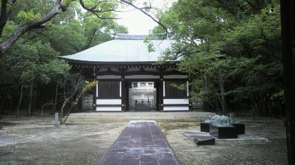 日泰寺舎利佛奉安塔