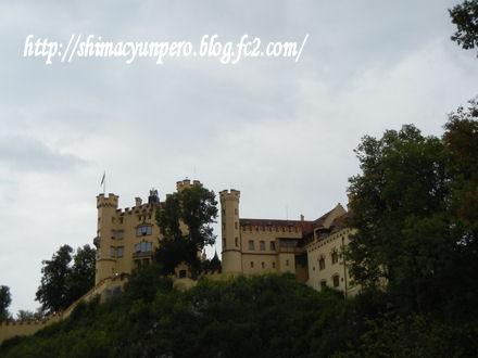 下から見上げたお城