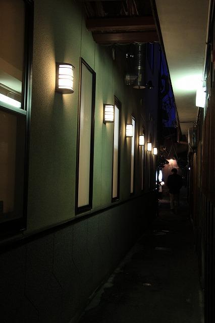 IMG_2055路地裏の灯り
