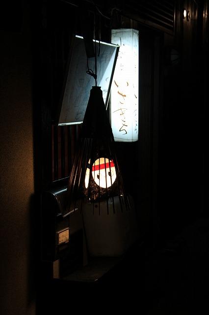 IMG_2059路地裏の灯り