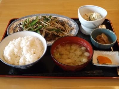 レバニラ定食 (2)