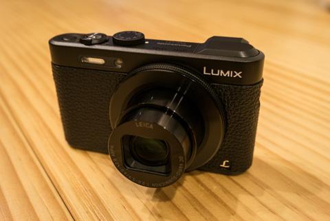 LUMIX DMC-GX1 & G X VARIO PZ 14-42mm/F3.5-5.6 ASPH./POWER O.I.S.H-PS14042