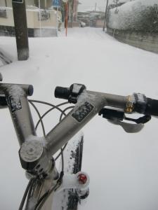 新雪踏みしめてボゴボゴ