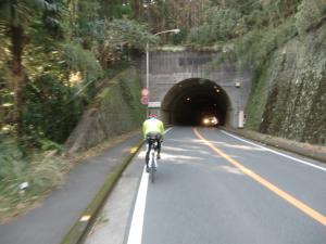 隧道だらけ