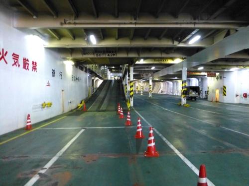 サンフラワー甲板2階への通路