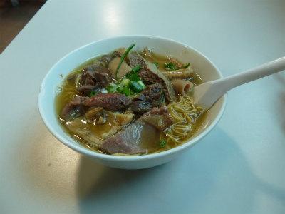 ●牛モツ煮込麺