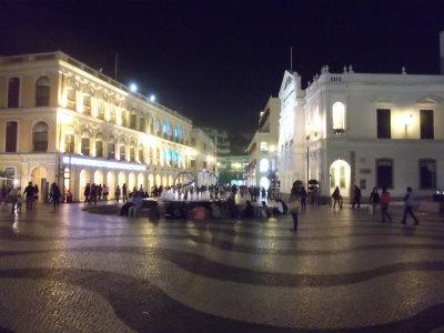夜のセナド広場1