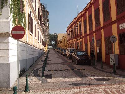 ラザロ教会横の通り