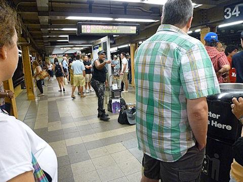 地下鉄のパフォーマー