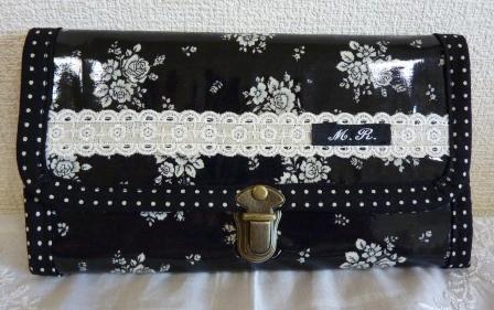 ビニコ黒長財布2