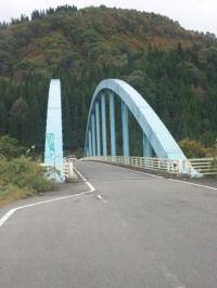 迂回の際に渡る四季彩橋