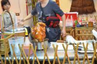 窯からあがったばかりの窯焼き鶏(甕缸雞)130206